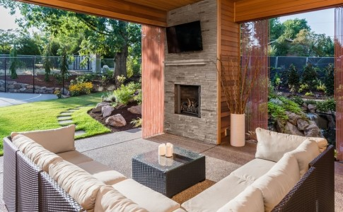 outdoor-sound-systems-perfect-fall-upgrade-backyards