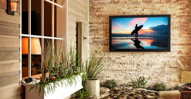 SOBAHO_APR_Blog2_OutdoorTVInstallation_PHOTO